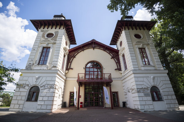 Aréna theatre in Bratislava will undergo reconstruction.