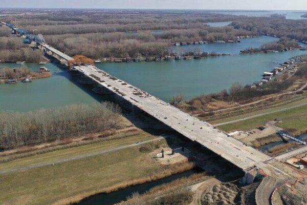 The new bridge over the Danube.