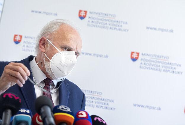 Ján Mičovský will resign on May 31.
