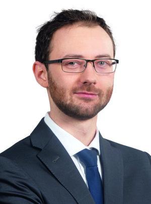 Lukáš Mrázik, Associate