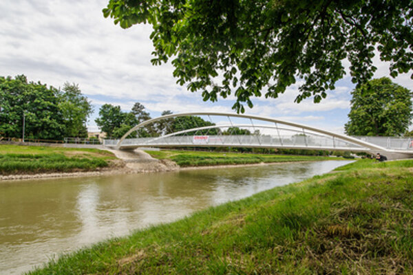 A new cycling bridge in the city of Nitra.