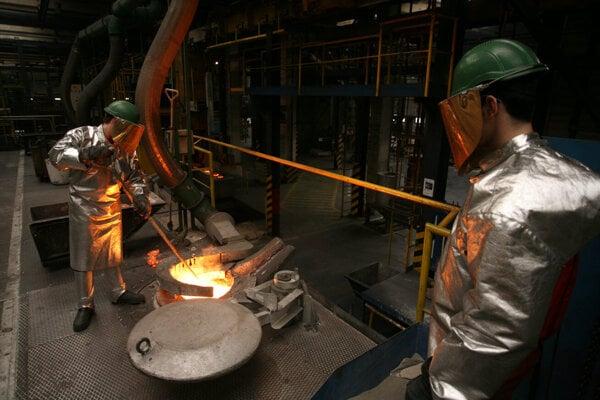 Production of aluminium in Slovalco