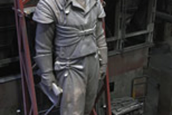 The Štefánik statue is eight metres tall.