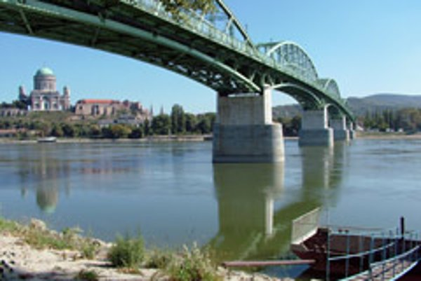 Business is bridging the countries in the region just as Maria Valeria Bridge connects Štúrovo, Slovakia and Esztergom, Hungary.