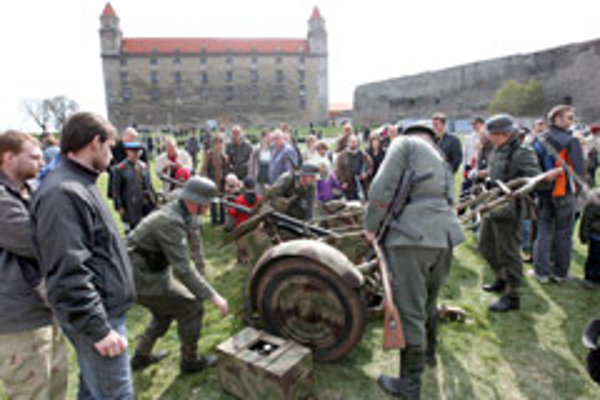 Members of the War History Club recently re-enacted the 1945 battle for Bratislava Castle.