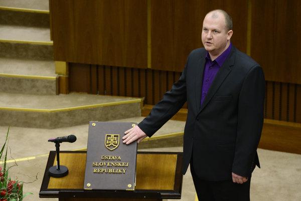 MP Peter Krupa sworn in.