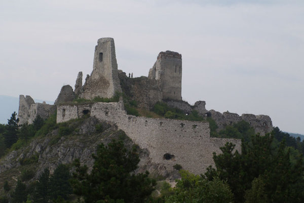 The ruins of Čachtice castle recall the history of Countess Báthory.