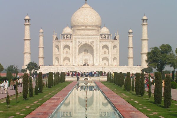 Sights such as the Taj Mahal have made India an interesting destination for Slovak tourists as well.