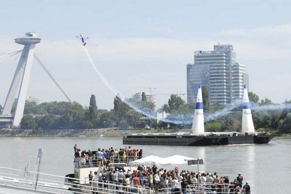 Acrobatic pilots astonished the audience with their daredevil maneuvers.