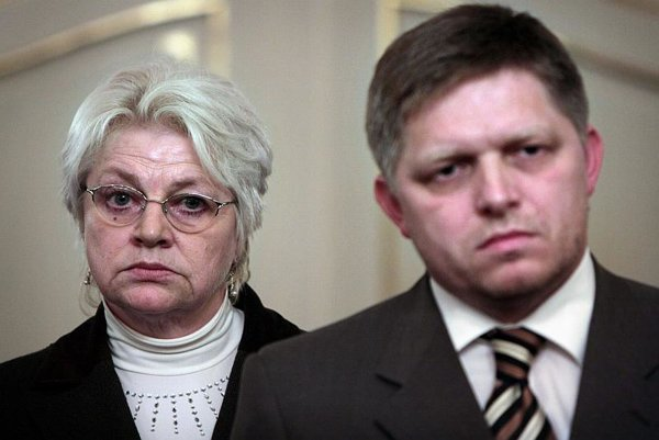 Labour Minister Tomanová and Prime Minister Fico.