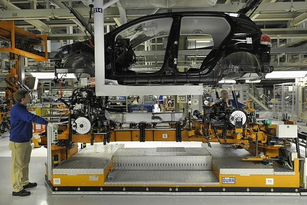 The automotive industry links Slovakia and Spain.