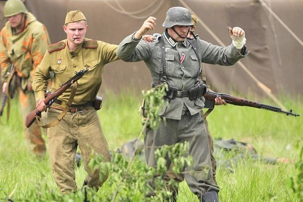 Military history enthusiasts re-enactaded the WWII battle in eastern Slovakia on May 9