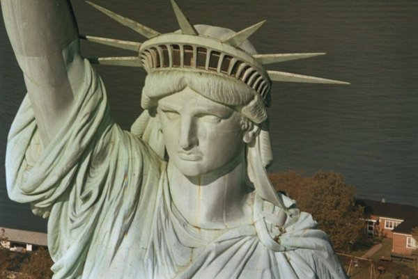 The Statue of Liberty in New York has welcomed many Slovak emigrants.