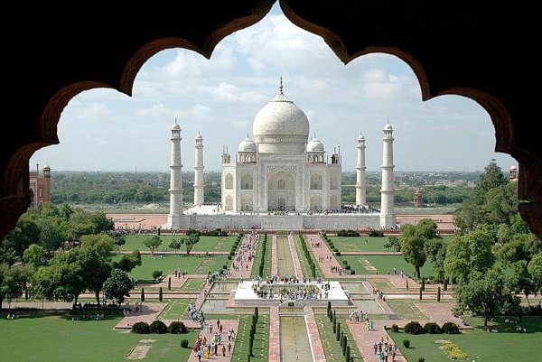 The Taj Mahal monument is India's most popular attraction for visiting Slovaks.