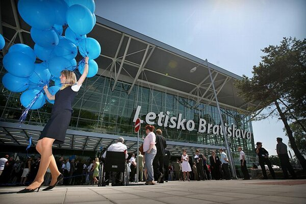Privatisation of Bratislava Airport is back on the agenda.