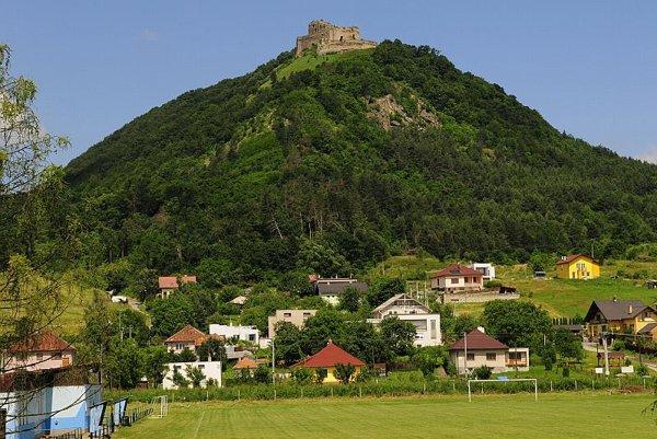 Kapušany Castle hill before the landslides.