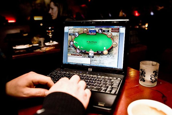 The idea of blocking internet acesss to gambling sites has raised hackles.