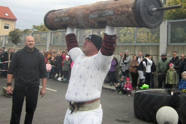 Strongman 2015 Levice - the record by František Piros
