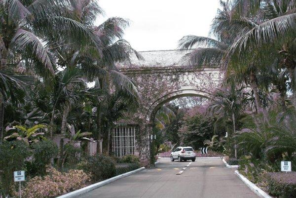 Entrance gate to Old Fort Bay.