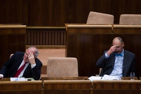Dušan Čaplovič and Tomáš Malatinský quit as ministers.
