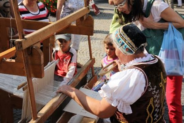 ÚĽUV promotes traditional crafts and their modern use in Slovakia.