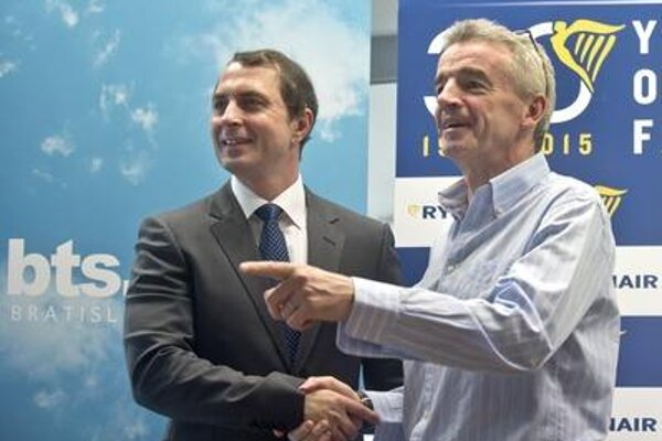 RyanAir CEO Michael O´Leary (R) and chair of board and CEO of M.R. Štefánik Airport in v Bratislava Ivan Trhlík announce new route.