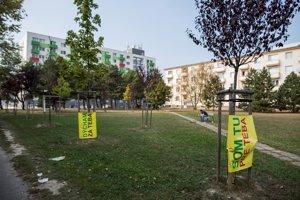 Because of protests the city council dropped plans to build rental flats on Astronomická and Čmelíkova streets in Ružinov.