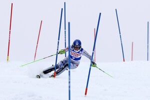 Veronika Velez-Zuzulová (in the 2nd round of the Killington slalom) won silver at the World Cup on November 27.