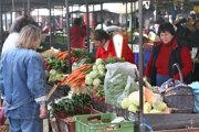 A busy day at the Žilinská market.