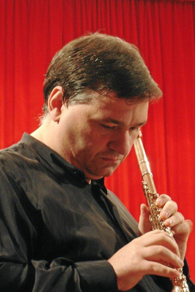 Italina flutist Mario Carbotta