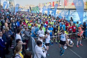 Start of the marathon was already crammed.