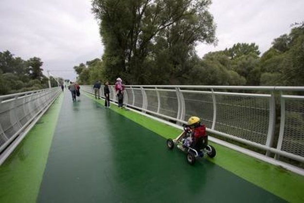 Freedom Cycling Bridge in Devínska Nová Ves