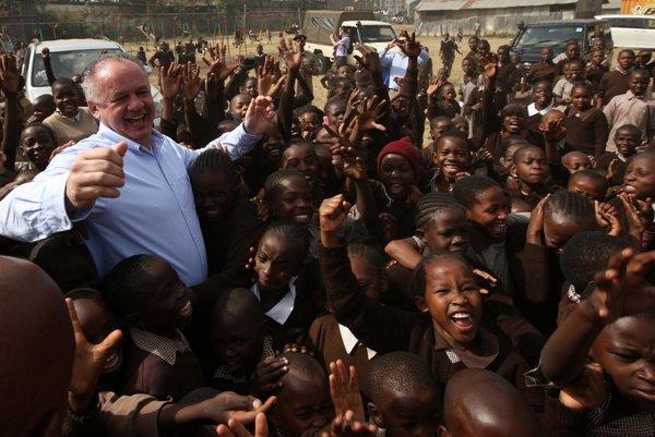 Slovak Presidetn Andrej Kiska visited sites of Slovak development aid in Kenya.