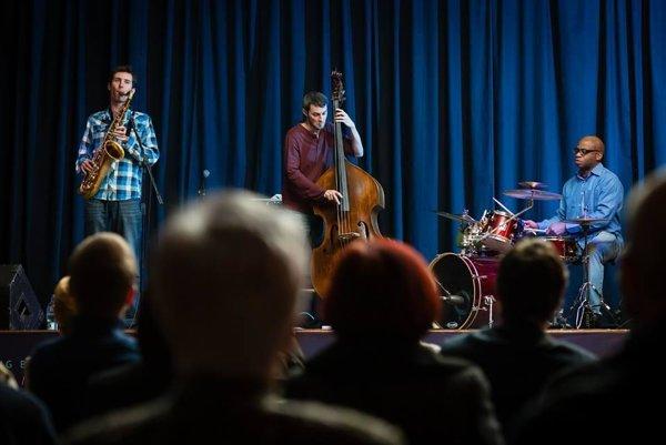 Mike Parker's Trio, Slovak stint.