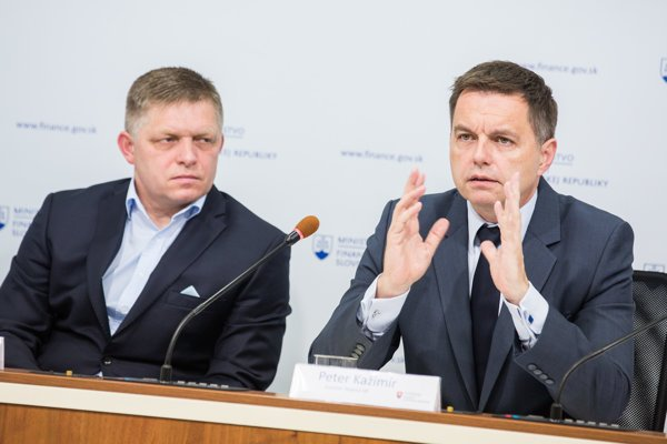 Prime Minister Robert Fico and Finance Minister Peter Kažimír