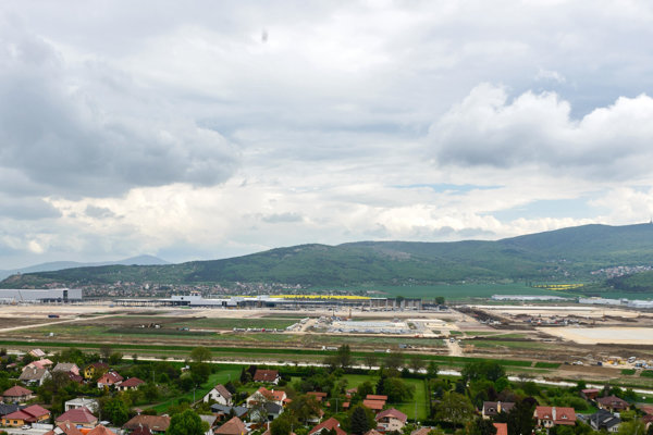 Jaguar Land Rover plant near Nitra is under construction