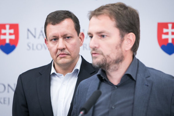 L-R: Daniel Lipšic and Igor Matovič comment on the case.