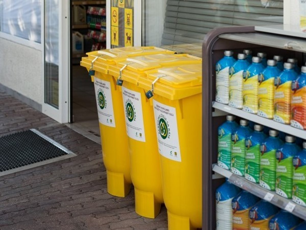 People Can Dispose Of Used Cooking Oil At Petrol Stations Source Courtesy Slovnaft