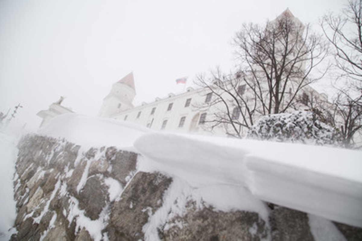 Snow causes traffic problems 5bc76890c4e
