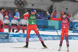 L-R Kuzmina and Fialková in the failed Slovak race.