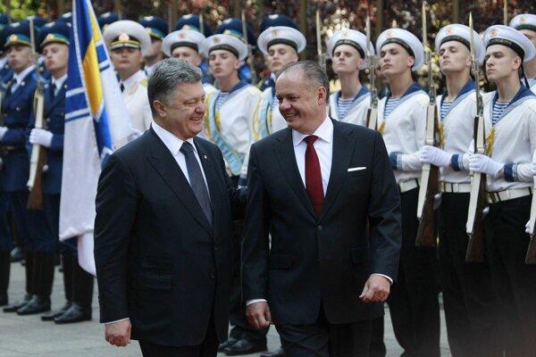 President Andrej Kiska shares a laugh with Ukrainian President Petro Poroshenko in Kiev.