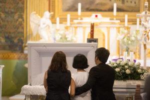 Those bereft mourn killed Filipino Henry Acorda, June 9.