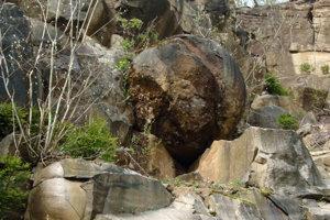 Stone spheres in Megoňky