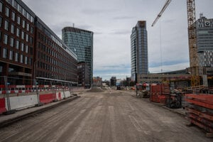 Construction of new bus station and rebuilding of Mlynské Nivy Street (23  photos) 95dfacd50e9