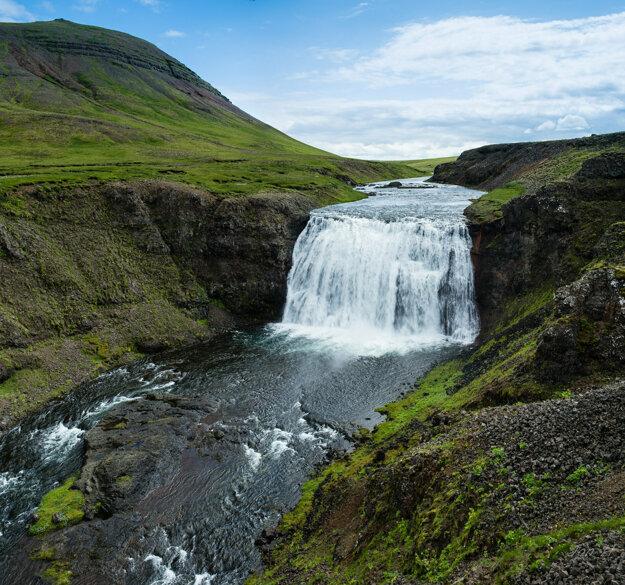 Þorufoss Waterfall