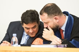 Marian Kočner and his lawyer Marek Para in court.