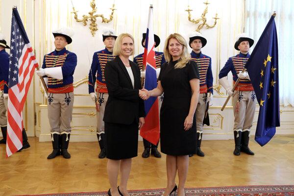 US Ambassador to Slovakia Bridget Brink presented her credentials to President Zuzana Čaputová on August 20.