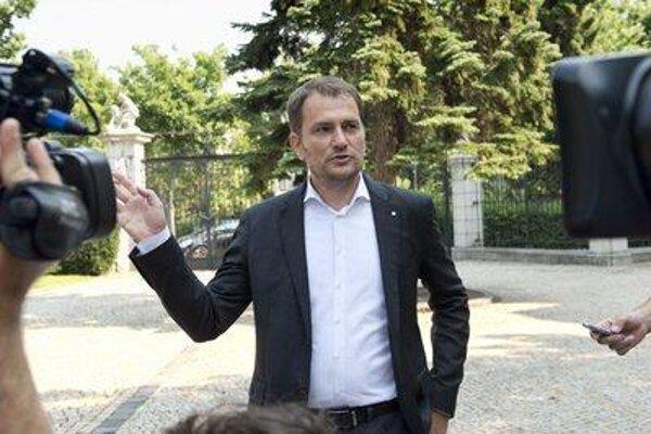 Igor Matovič,OĽaNO, accusing PM Fico