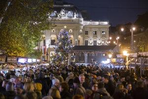 The Christmas market on Hviezdoslavovo Square.
