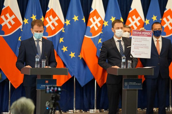 PM Igor Matovič and Finance Minister Eduard Heger presenting new measures they agreed on with banks.